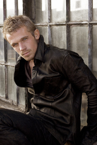 Don't be afraid to be part of my life[Marcus Cartier] Cam-gigandet-in-black